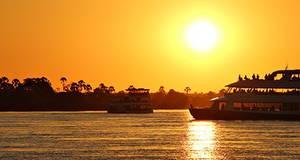River Tour Pôr do Sol